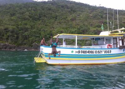 passeio de barco em ilhabela